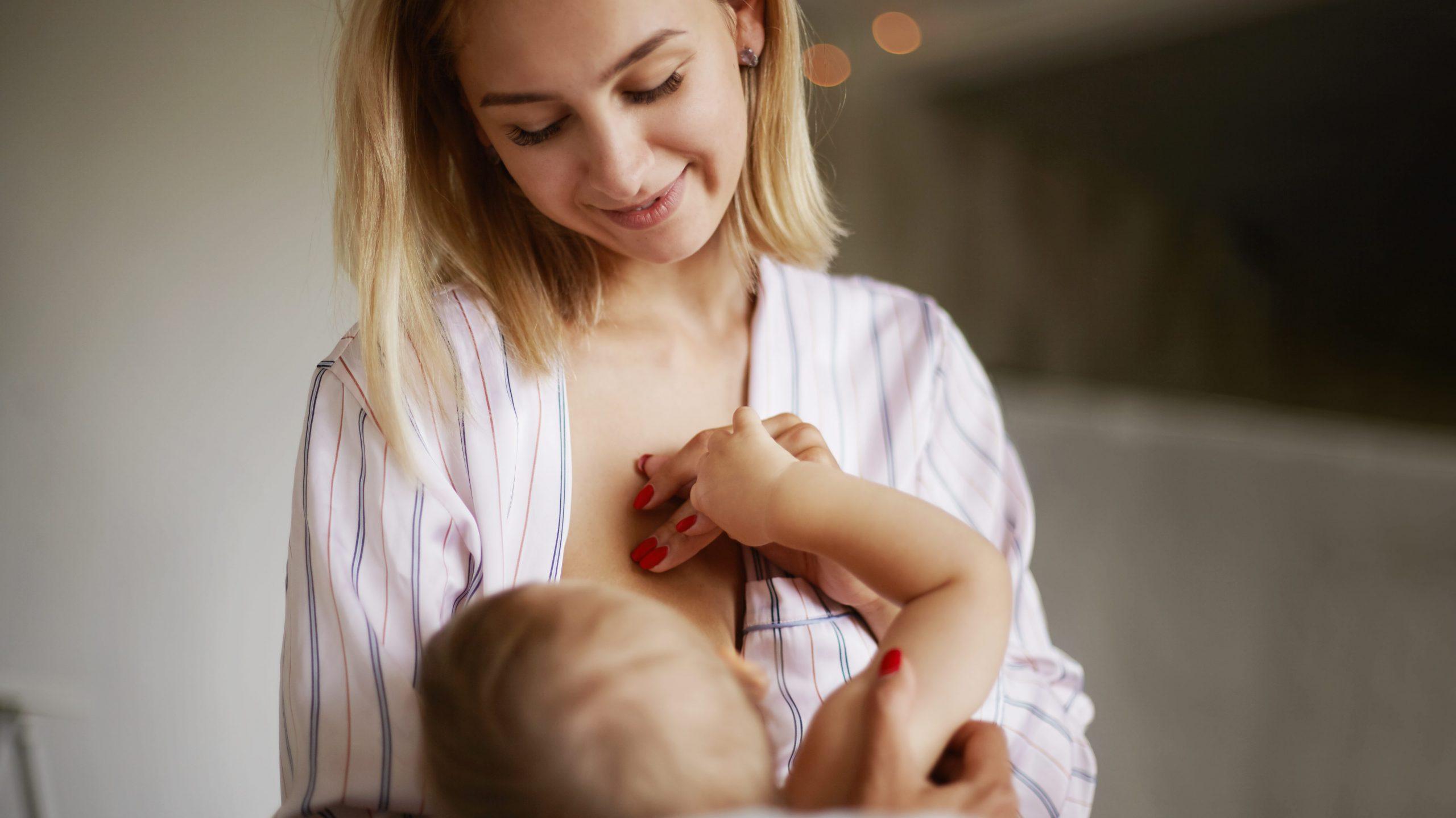 Borstvoeding tandemvoeden baby mama tijdens zwangerschap